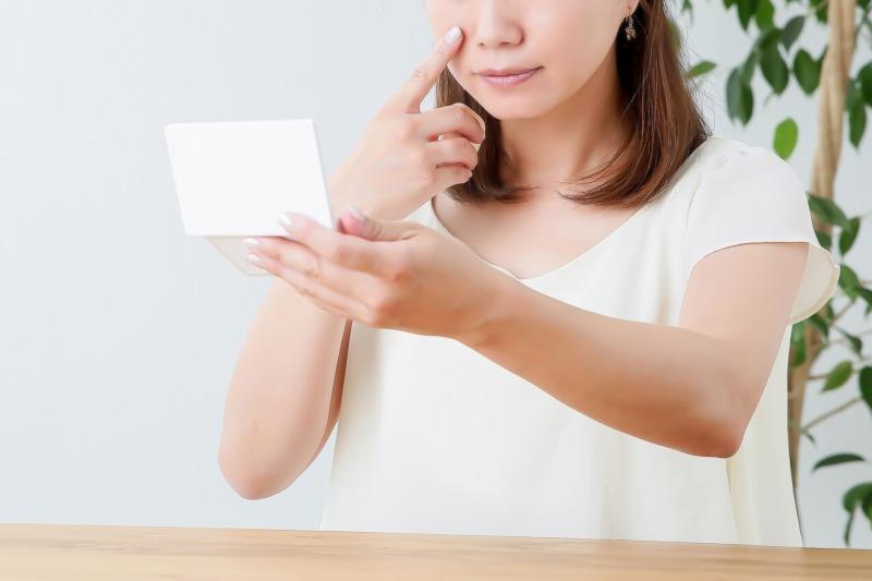 ニキビを自宅で効果的に対策する方法は青色LEDを上手に使用する方法です。