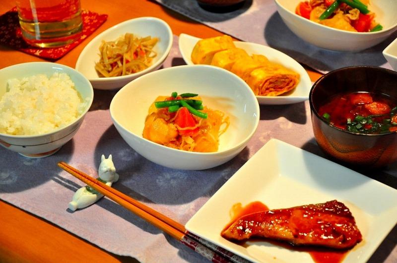ダイエットで痩せられない人がする3つのNG食習慣とは?