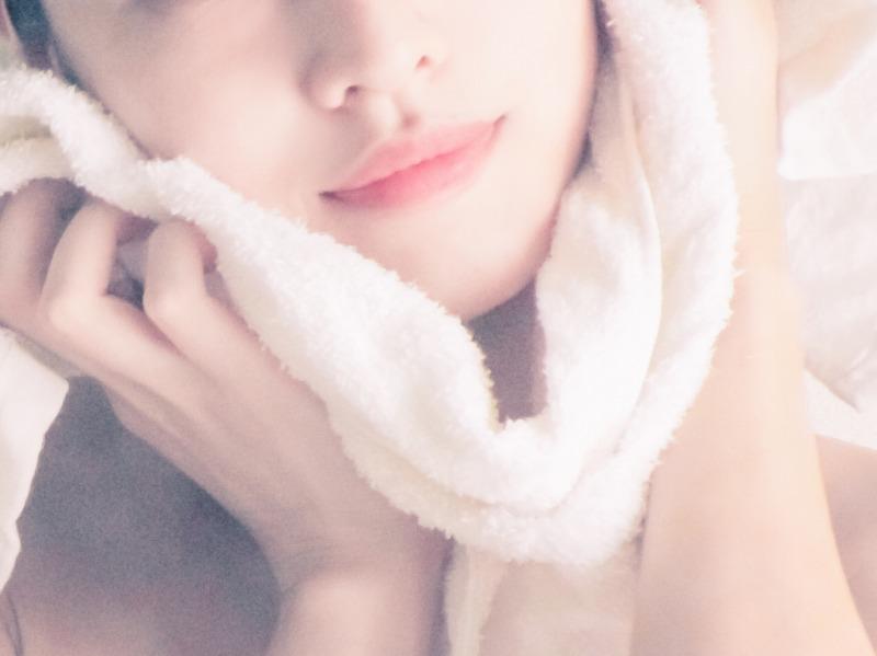 毛穴を開かず詰まった汚れを吸着して落とす洗顔料でスッキリ!